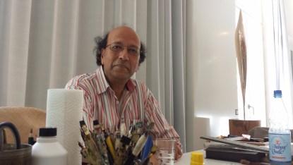 """Shahid Alam beantwortet Fragen und lässt sich """" über die Schulter schauen"""" . (c) B. Neuhaus"""