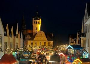 Weihnachtsmarkt vor dem Rathaus © Fotoarchiv der Stadt Verden (Aller), Frank Pusch