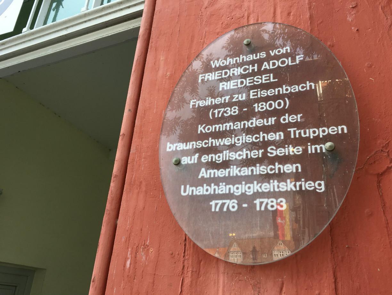 Das Haus der Familie Riedesel steht noch heute am Marktplatz in Wolfenbüttel
