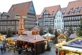 Überblick über den Weihnachtsmarkt in Hildesheim.