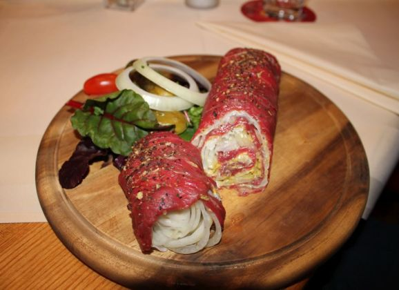 2 Kilometer rohe Roulade in Celle