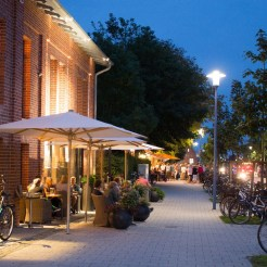 Jadeallee am Abend | Foto: Aline Wohler