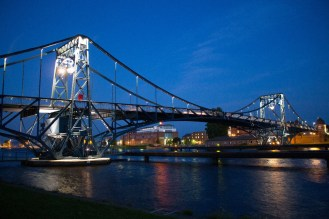 Illuminierte Kaiser-Wilhelm-Brücke | Foto: Aline Wohler