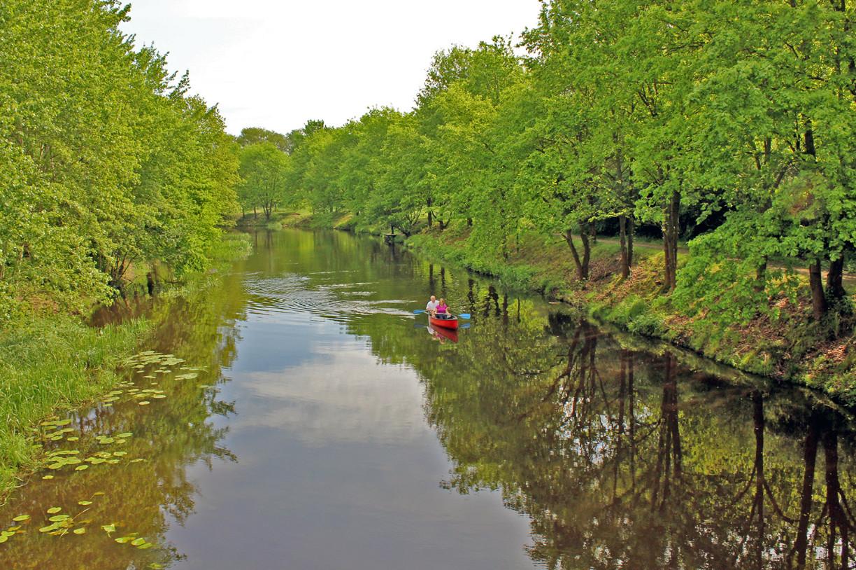 Mit dem Kanu auf der Aller in GIfhorn an der Flutmulde unterwegs