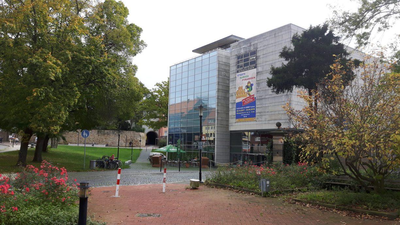 Die Außenansicht des berühmten Roemer- und Pelzaeus-Museums (c) Keno Hennecke