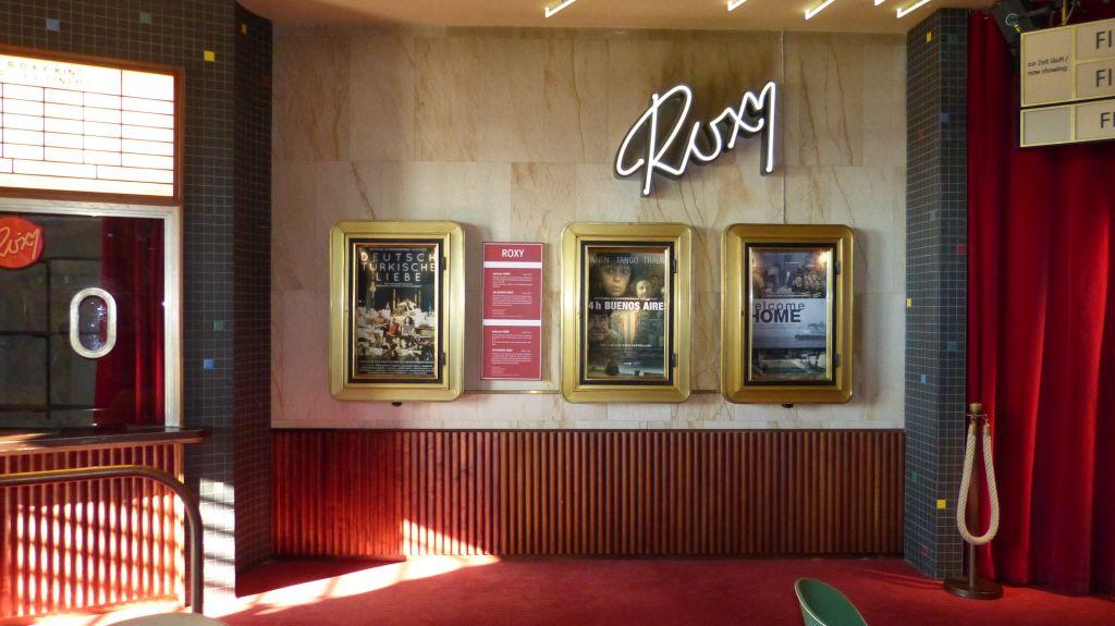 Eingang ins Kino Roxy