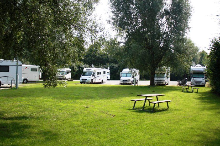 Mitten in der Stadt und trotzdem im Grünen - der Reisemobilhafen in Göttingen