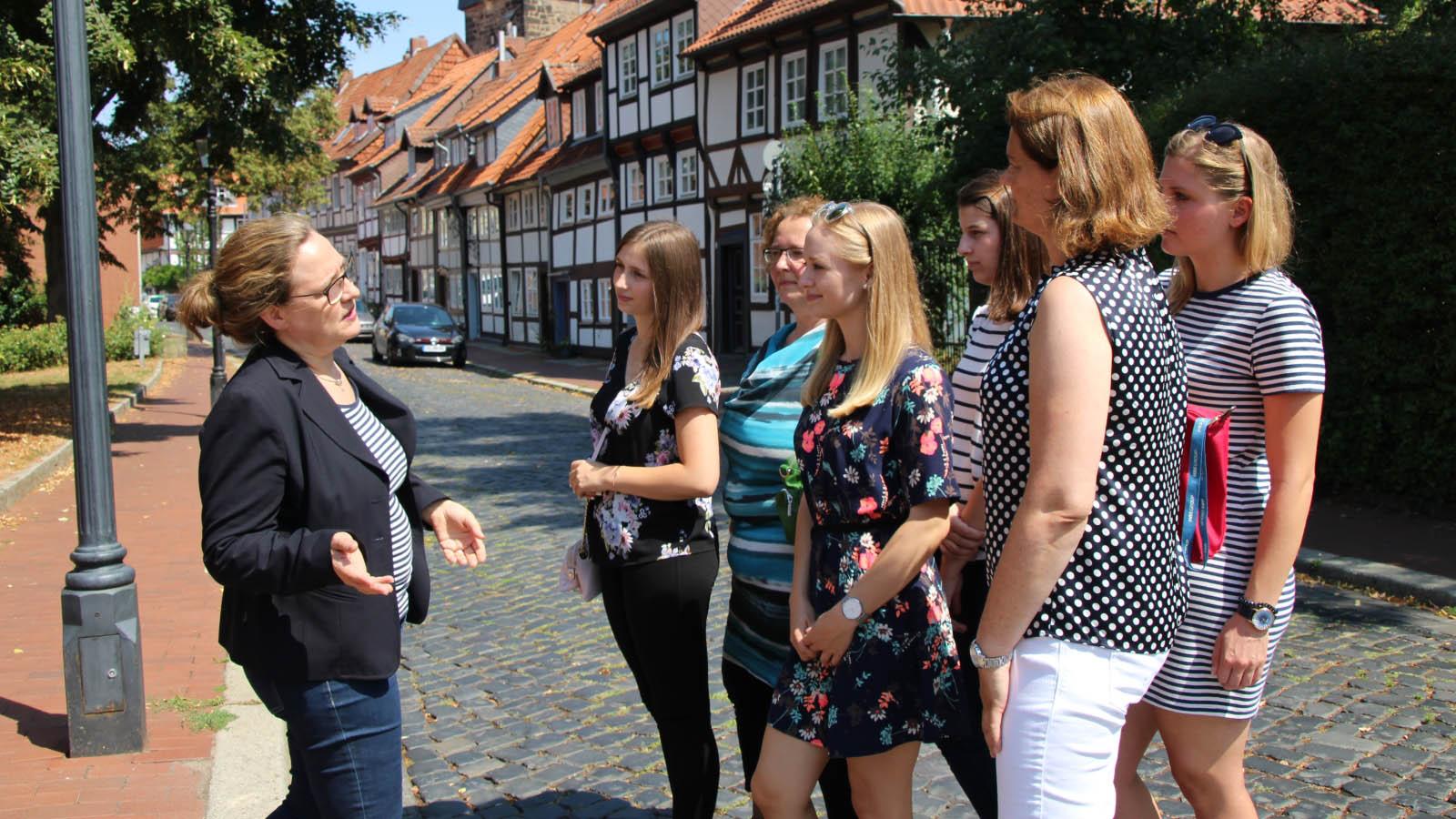 Stadtführung durch Hildesheim im Sommer