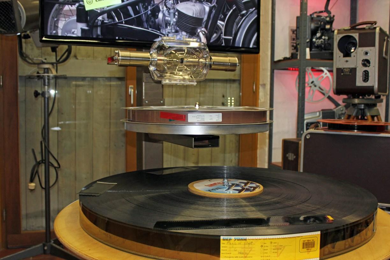 IMAX-Fimrolle mit Tonrolle und Xenonlampe im Kinomuseum Vollbüttel
