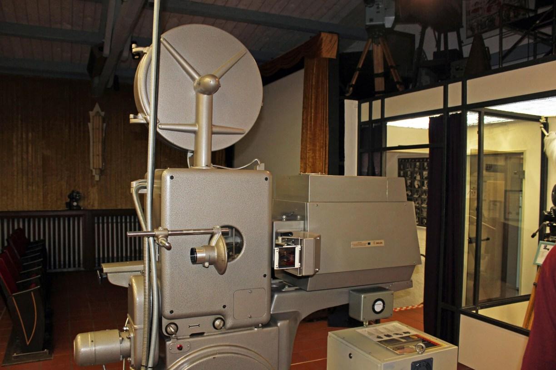 Filmprojektor von Philips für 70mm-Rollen im Kinomuseum in Vollbüttel