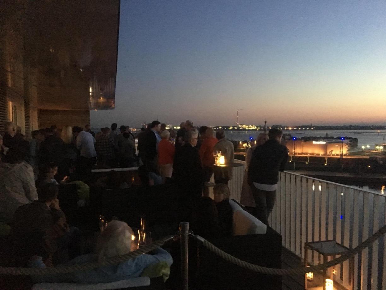 Sonnenuntergänge in Bremerhaven in der New York Bar