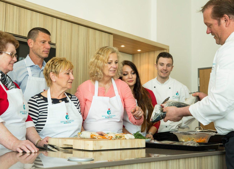 Do it yourself Angebote in Niedersachsen. Cooking Class im Seefischkochstudio mit Küchenchef Harms
