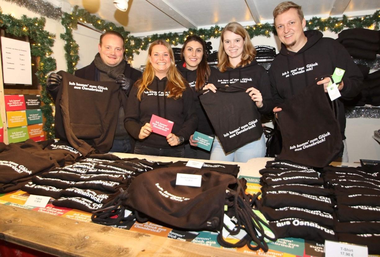 """Weihnachtsmarkt Osnabrück: Wechselstube mit Kollektion """"Ich komm zum Glück aus Osnabrück"""""""
