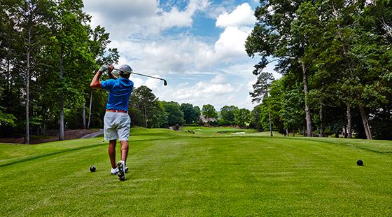 River-Run-Country-Club-Davidson-NC-golfer-hole17-560x310