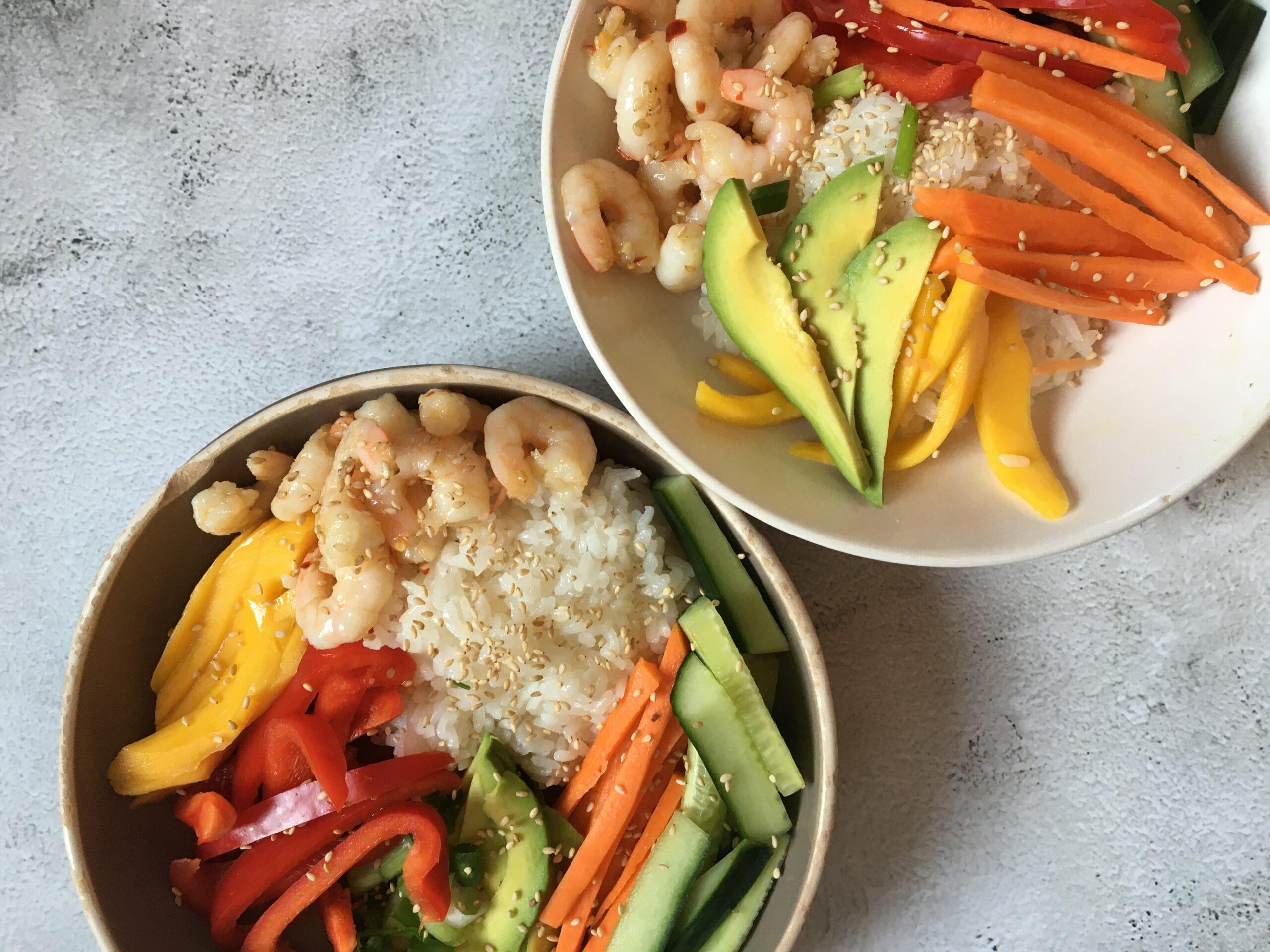 Rainbow pokébowl with shrimps