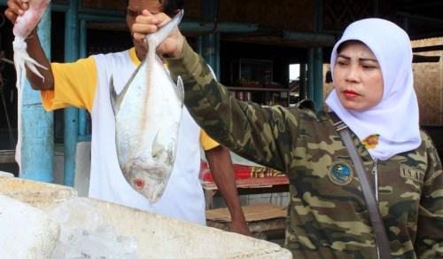 Berburu Kuliner Seafood di Pantai Tanjung Kait