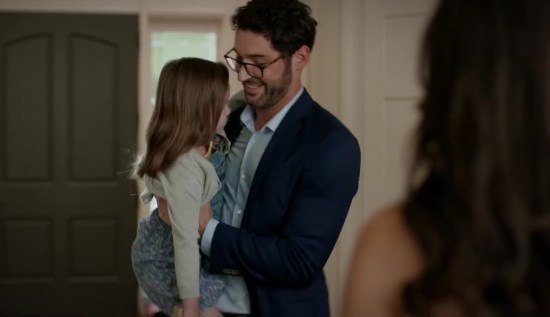 Tom Ellis Queen America 1x08 -03071