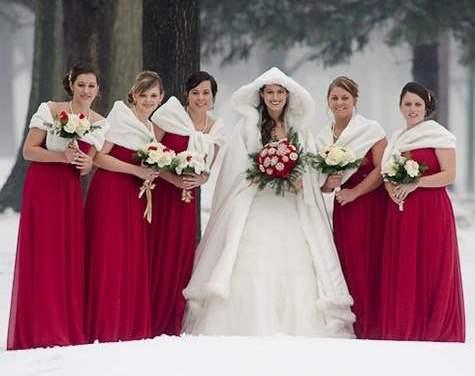 15 Χριστουγεννιάτικες ιδέες γάμου, απο το νυφικό μέχρι την τούρτα