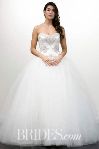 Photo: Gerardo Somoza/Indigital.tv Wedding dress by Victor Harper