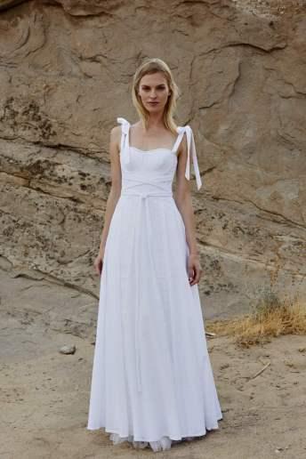 Courtesy of Savannah Miller Wedding dress by Savannah Miller