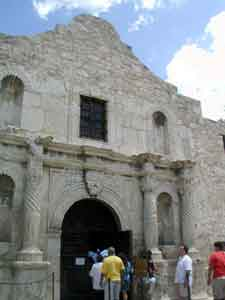 The Alamo with hordes of tourists