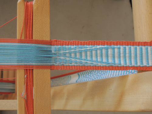 Inkle weaving on loom
