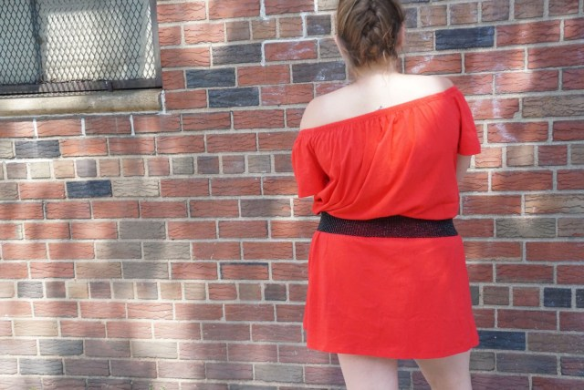 Back of dress no hat