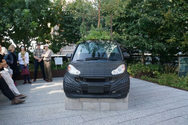 car-sculpture