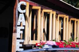 Paia-cafe-sign