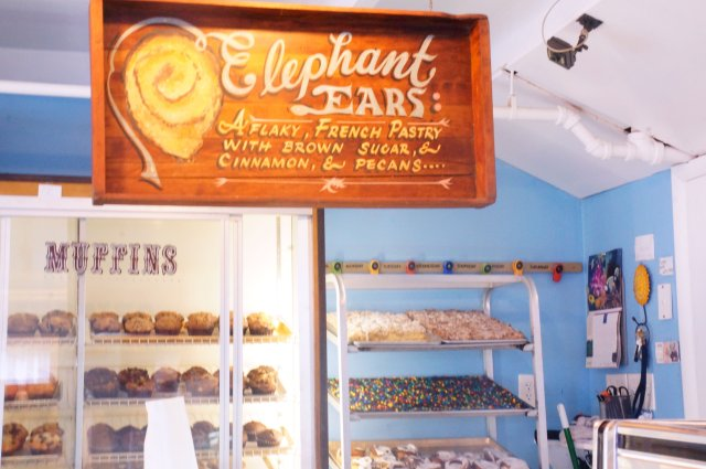 CC-elephant-ears-sign