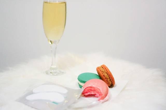 Champagne-VII-masks-open