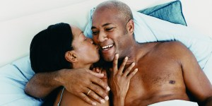 MATURE-AFRICAN-AMERICAN-COUPLE-IN-BED