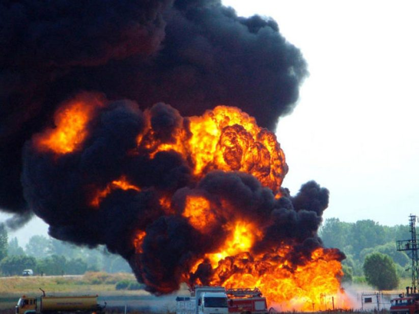 NNPC-Pipeline-Explodes-696x522