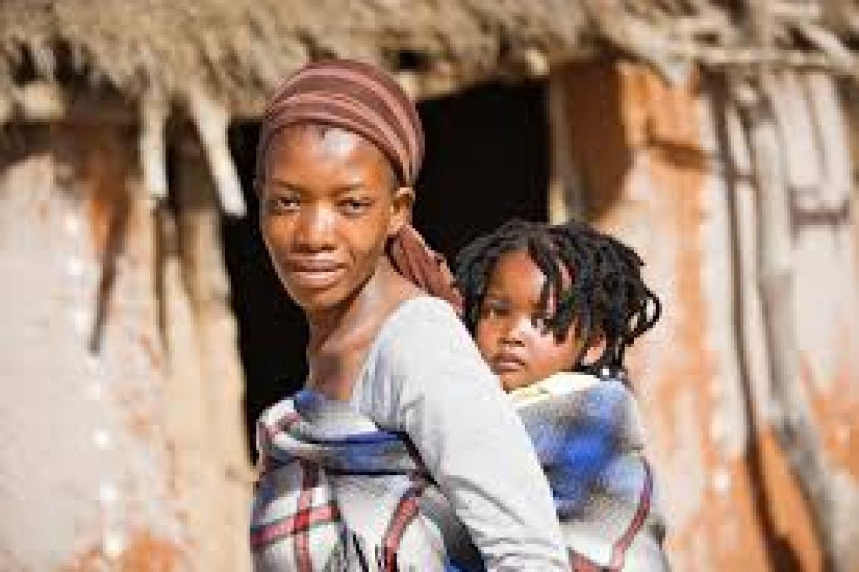 rwandan-women