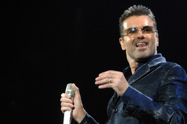 George Michael performs at Datch forum on October 07, 2006 in Milan, Italy. (Photo by Morena Brengola/Getty Images)