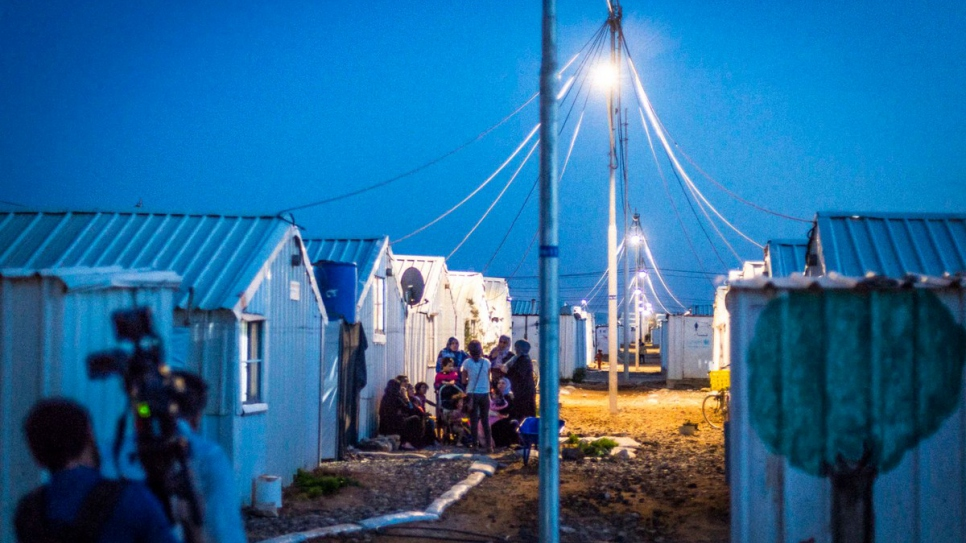 At last, Syrian refugees can enjoy the evening outside their shelters. © UNHCR/Benoit Almeras Martino