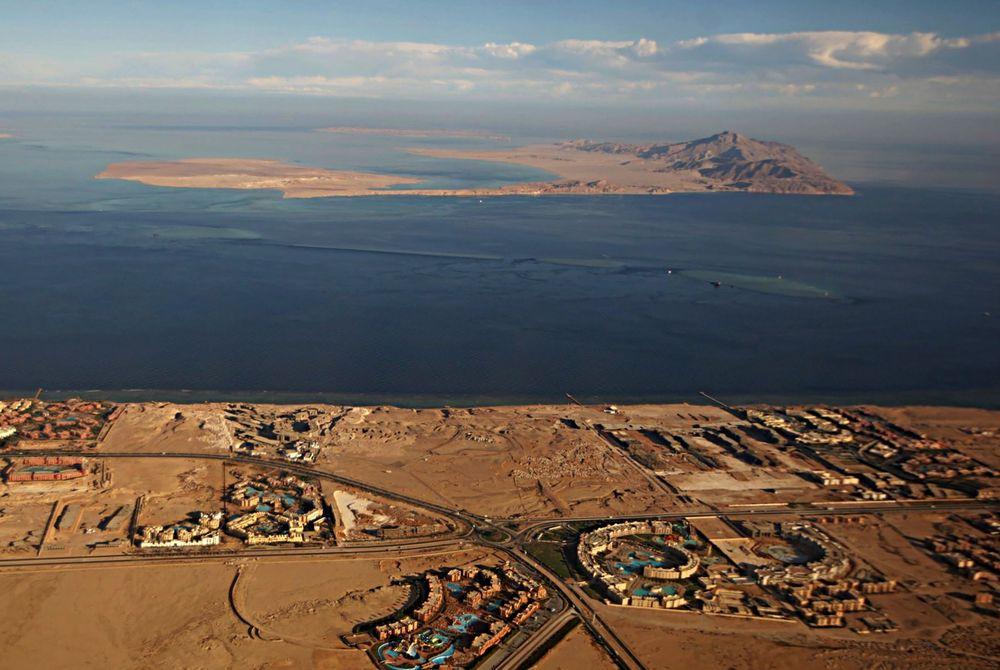 Tiran and Sanafir, between Egypt's Sinai Peninsula and Saudi Arabia on Jan. 14, 2014. Source: Stringer/AFP/Getty Images