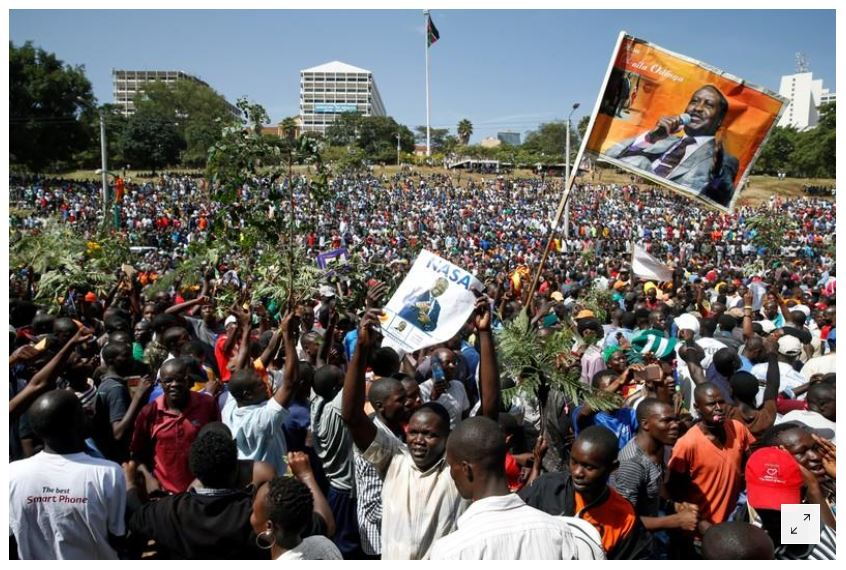 Supporters of Kenyan opposition leader Raila Odinga of the National Super Alliance (NASA) coalition gather ahead of Odinga's planned swearing-in ceremony as the President of the People's Assembly at Uhuru Park in Nairobi, Kenya January 30, 2018. REUTERS/Baz Ratner
