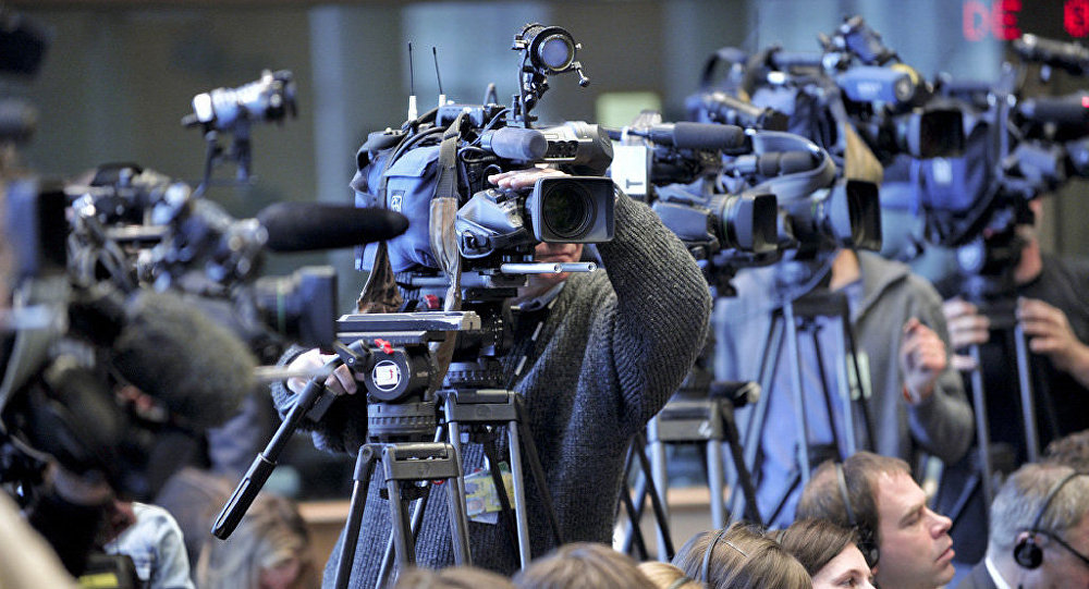 camera journalist
