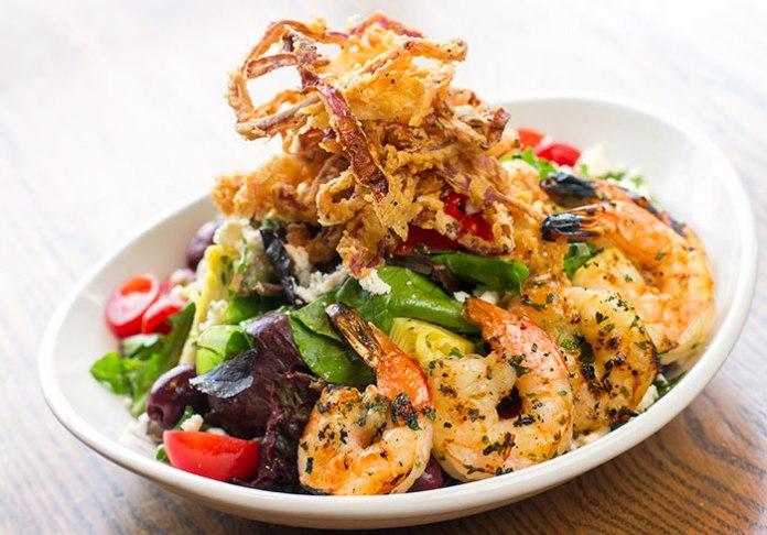 nob-hill-bar-and-grill-salad