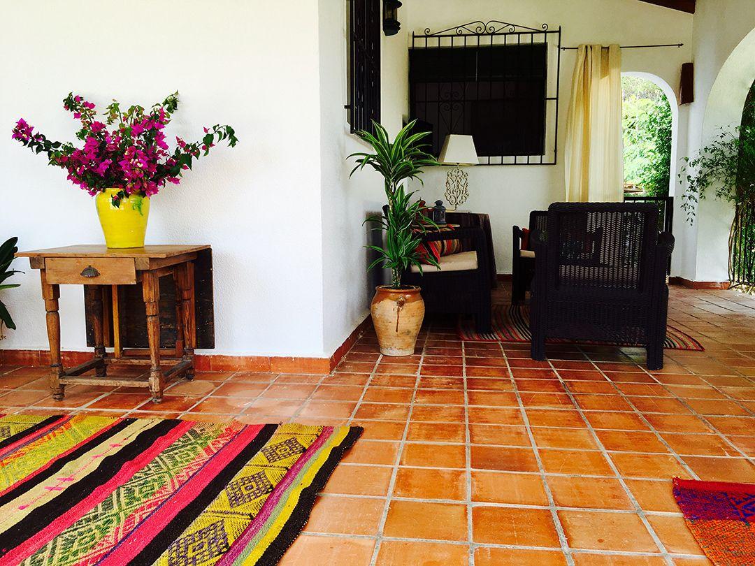 Abracadabra Decor Vigo Home Staging decora para alquiler vacacional Chalet en el Mediterráneo - terraza