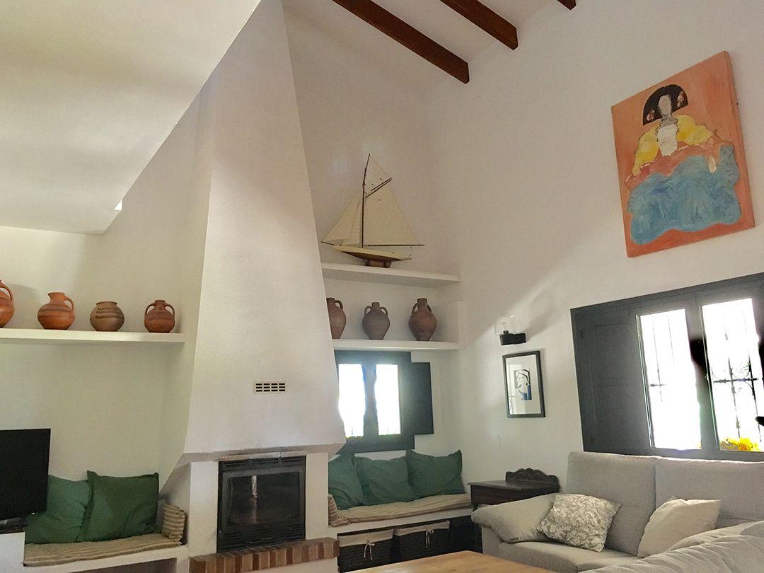 Abracadabra Decor Vigo Home Staging decora para alquiler vacacional Chalet en el Mediterráneo - salón