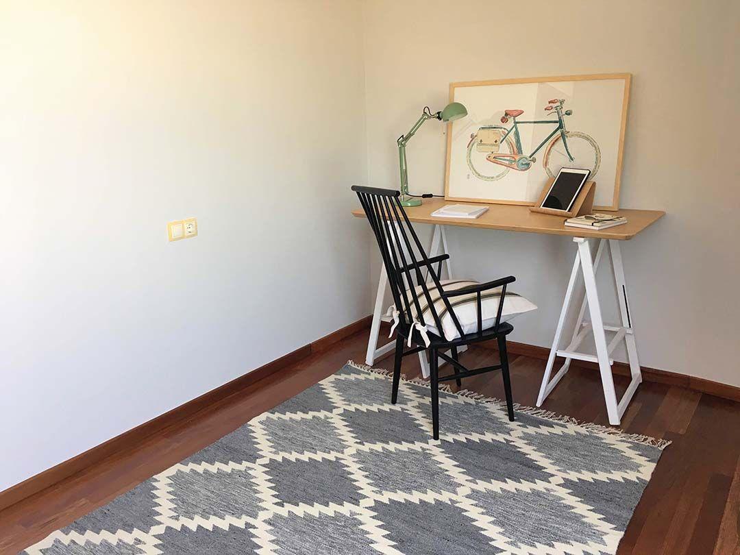 Abracadabra Decor Vigo Home Staging decora para vender o alquilar muebles de cartón - despacho