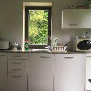 Abracadabra Decor Vigo Home Staging decora para alquiler vacacional - cocina antes