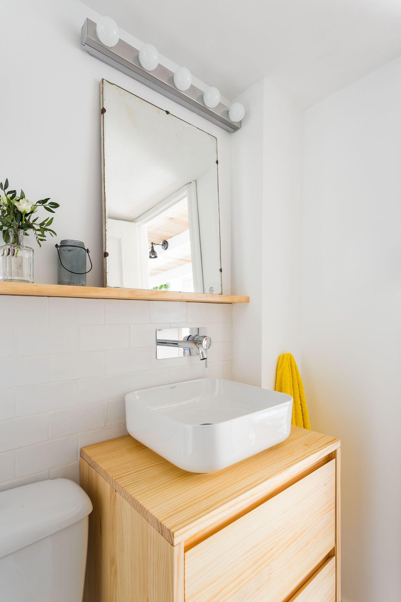 Baño buhardilla para alquiler vacacional. Abracadabra Decor Home Staging