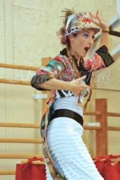 boite à merveilles spectacle rue cirque festival mat chinois fil de fer clowns jongleurs aerien girly kawai(91)