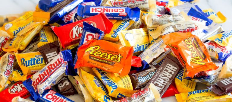 10-ways-to-use-up-halloween-candy-01-1140x500