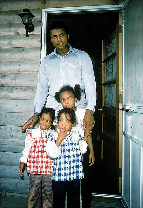 Ali  seen  here  with  daughters  Maryum,  Rasheeda  and  Laila .
