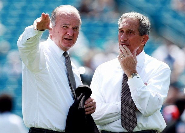 Wayne  Weaver   (left)  ,owner  of the  Jacksonville  Jaguars  is   seen  here   with  Atlanta  Falcons'  owner   Arthur  Blank    at  Jacksonville  Municipal  Stadium  prior   to  an   NFL  game   between  their  respective  teams  .       picture appears  courtesy of  getty  images  / Paul  Hughes  ................