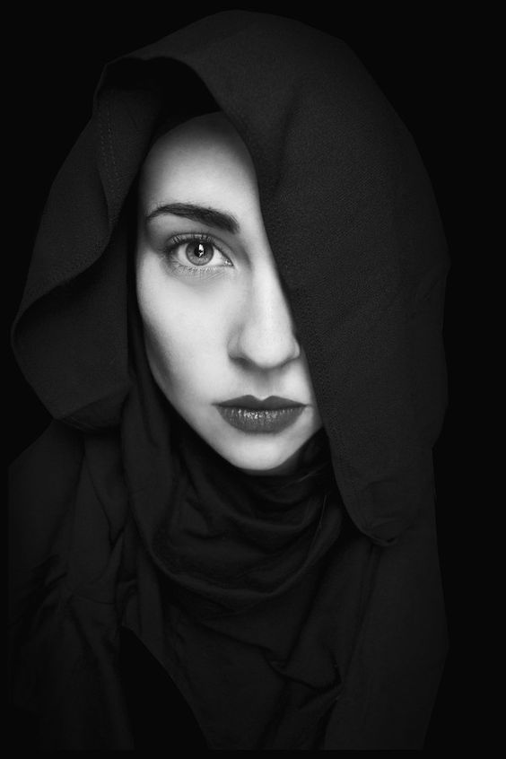 Black And White Portrait Ideas